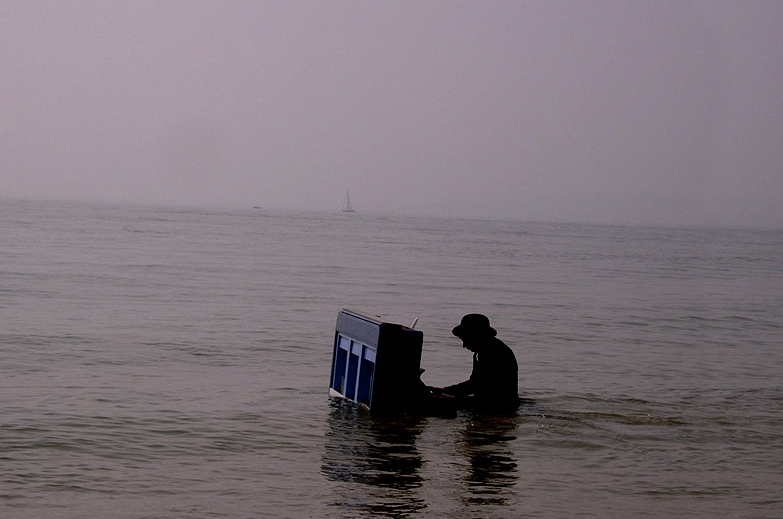 Piano In The Sea