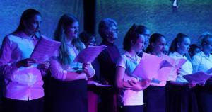 Choir Singing 002