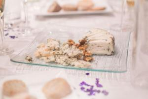 Wine-Cheese-Fundraiser-010